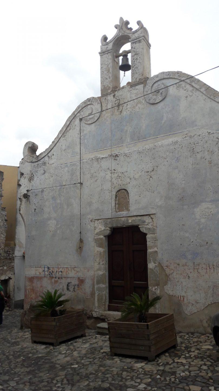 chiesa aliena