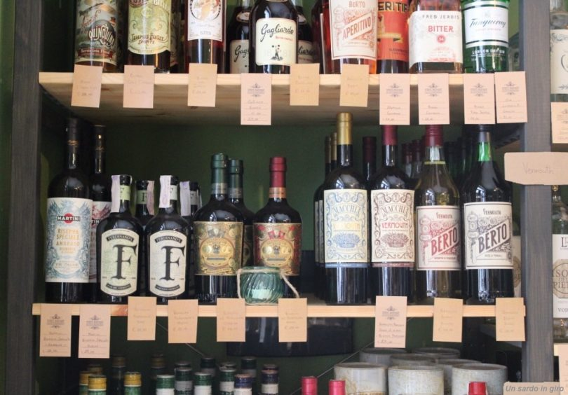 scaffale vermouth