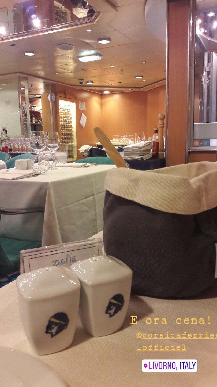 cena sulla nave