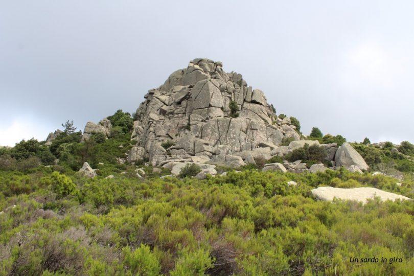 cima rocciosa