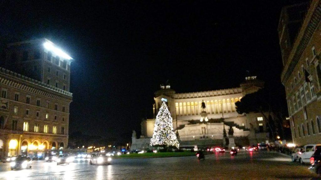 Foto Di Roma A Natale.Le Luminarie Di Roma Per Il Natale 2014 Un Sardo In Giro