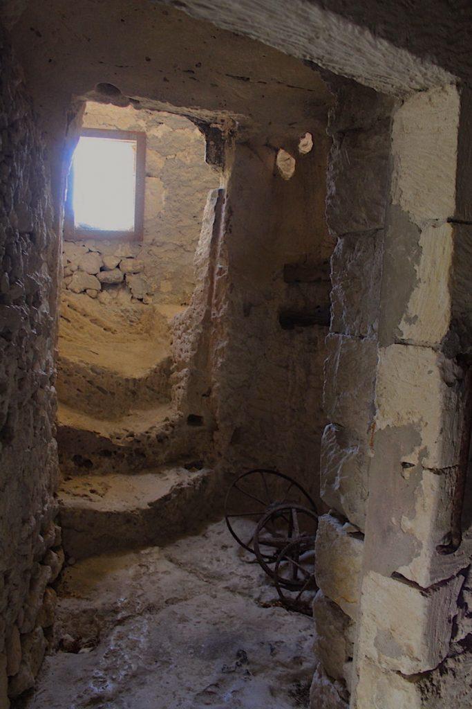interno domus de janas