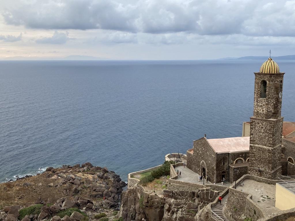 chiesa sul mare