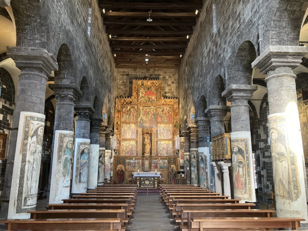 interno chiesa ardara